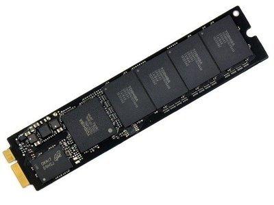 MACBOOK AIR A1465 11″ SSD opslag uitbreiden